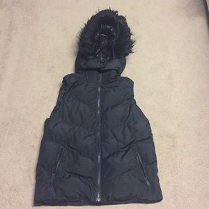 Gap Sz S, puffer vest with removable hood